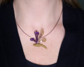 Dragonfly jewelry Dragonfly necklace Purple gold necklace Wire jewelry Statement necklace Insect jewelry Dragonfly charm Unusual gift women