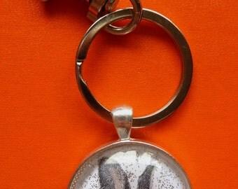 Rabbit-Bunny-Hare-Keychain-Key Ring-Rabbit Keychain-Easter Bunny-Silver-30mm Round Bezel Tray-Glass Cabochon-Swivel Lobster Clasp