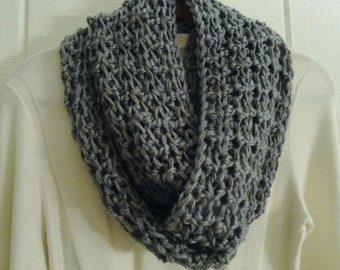 Crochet Infinity Scarf Cowl Heather Gray Chunky Warm Acrylic