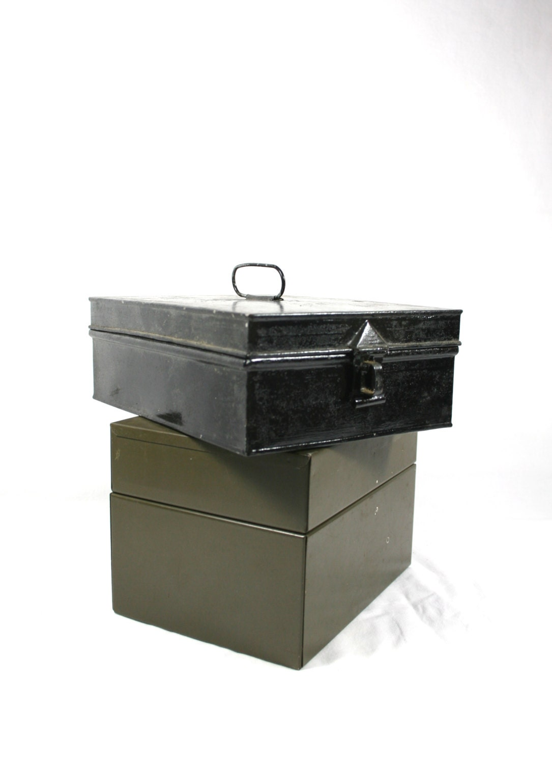 black metal tin box hinged lid green file box industrial decor. Black Bedroom Furniture Sets. Home Design Ideas