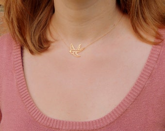 Gold filled bird necklace, gold hollow bird necklace, vermeil swallow bird necklace, everyday minimalist necklace, elegant necklace gift 031