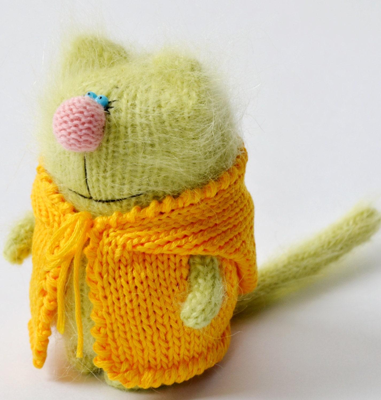 Amigurumi Jacket : GREENY CAT in Yellow Jacket Hand-knitted Toy Amigurumi