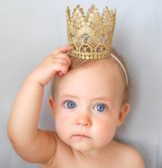 Feb 22,  · A baby's breath crown is a fun way to add some style to your outfit. For example, you could wear a baby's breath crown to a summer music festival to create a s flower child look. Alternatively, you may want to include baby's breath 80%(12).