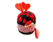 PIN CUSHION PINCUSHION red black true love hearts sewing accessory quilter seamstress scrapbook craft room holiday tenx rdt