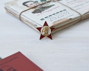 Vintage Soviet Union Pin little Octobrist / Comunist Star Collectible pin/ 1970s