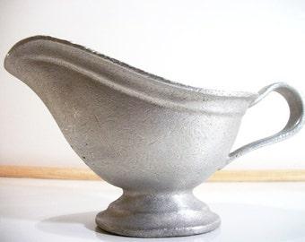 Wilton Armetale RWP Cast Aluminum Gravy Boat Sauce Kitchenware Vintage Metalwork Collectible