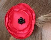 Adorable poppy flower hair clip for girl, satin flower hair clip, poppy flower, wedding, bridesmaid, flower girl, cute accessory for girl