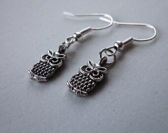 Owl Earrings, Dangle Earrings, Owl Jewelry, handmade Jewelry, Gift Jewelry.