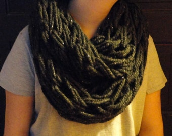 Arm knitted Chunky Infinity Scarf