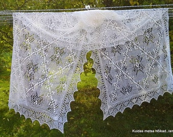 "Hand knitted Haapsalu shawl ""Star of Muhu"", traditional Estonian lace, 100% wool. Ready to ship."