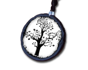 Slate necklace featuring 'The Tree of life' theme