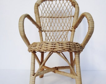 Original and pretty french miniature, vintage wicker chair. Home decor, vintage decor, collection,french little chair.