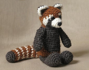 Crochet amigurumi red panda pattern
