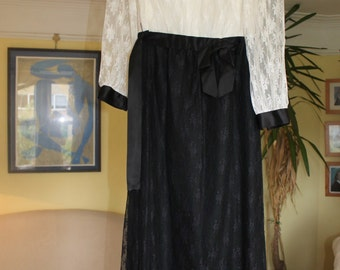 Black and white lace full length eveniing dress ref 59