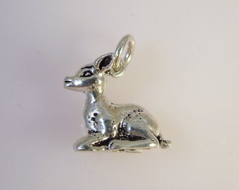 Sterling Silver 3-D SITTING DEER Charm Pendant Fawn Bambie .925 Sterling Silver New an08