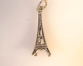Sterling Silver 3-D Small EIFFEL TOWER Charm Pendant Paris France .925 Sterling Silver New tr23