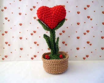 my heart crochet flower in its pot in terracotta, home decor, artificial flower, flower heart amigurumi