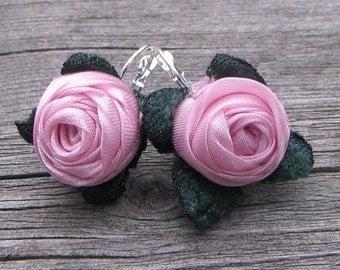 Earrings with pink roses, fiber roses, textile flowers, romantic earrings, feminine earrings, fashion earrings, gift for her, OOAK