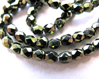 Glass beads, faceted beads, 4mm, Forest green, 50 beads   # 339