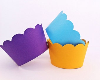 Scallop Cupcake Wrappers - party supplies - cupcake decorations - cake decor