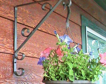 Handcrafted Decorative Wrought Iron Bracket for Hanging Flower Pot-CLEARANCE