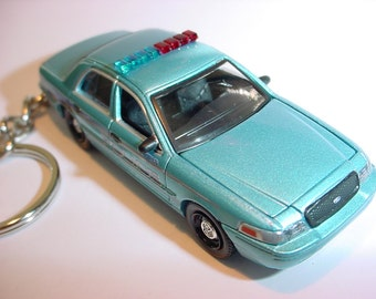 3D Ford Crown Victoria custom keychain by Brian Thornton keyring key chain opening hood design TWILIGHT movie replica