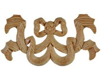 Dancing bow center motif applique for small bed