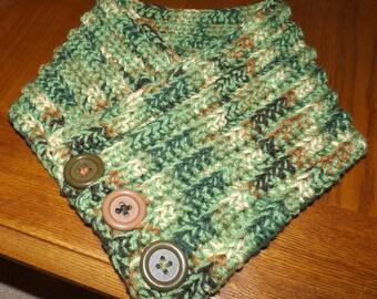 Multi-shade Green Neck warmer