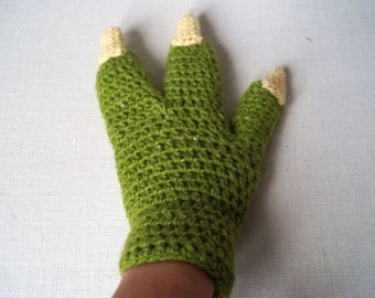 Master Yoda Claw Gloves PDF Pattern (Star Wars Jedi Apparel) Yoda Costume Pattern with Pictures -- Star War Crochet Pattern