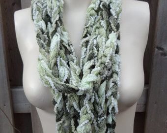 Crochet fashion loop scarf