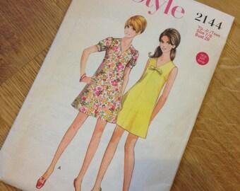 1970s Style Pattern - Teen Dress