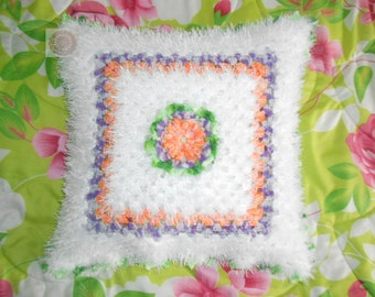 Pillowcase on the pillow crochet