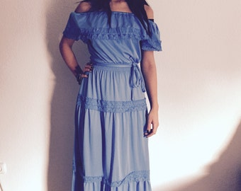 Vintage Maxi dress in light blue with lace