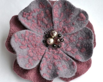 Pink grey flower brooch Felt flower brooch grey Wool jewelry Pink flower brooch Felt flower pin Pink and grey wool brooch Birthday Gift