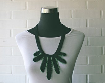 Indian - black and green crochet necklace
