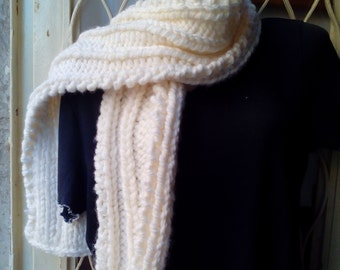10 Scarf, knitted tricot Pearl drop