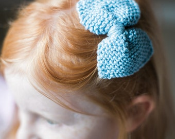 blue bow hair clip