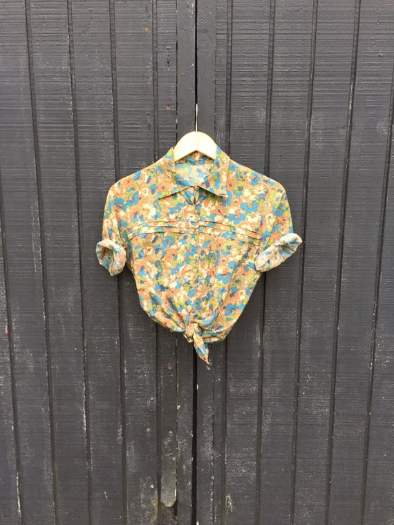 Vintage Floral Pleated Button Up