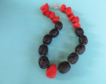 Flamenco Contrast Necklace