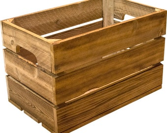 Traditional Cedar Apple Crate | Classic & Vintage