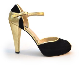 Super Stylish Peeptoe Pumps