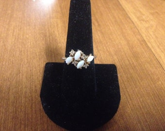 Vintage Goldtone White Stone Design Ring, Size 8