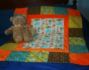 Cotton and flannel baby blanket