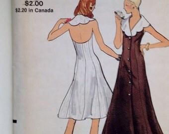 Sun dress, Halter dress Vintage 1970s Vogue pattern #  8319 Size 14 36 bust Uncut