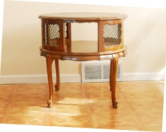 French Country leather top table Cabriole Legs wire mesh 1950 Brown USA