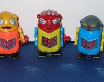 Set of 3 Sparking Plastic Robots