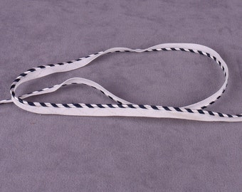200 yds White and Navy Piping Trim (T108W-FR)