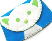 Large White Cat Snap Wallet