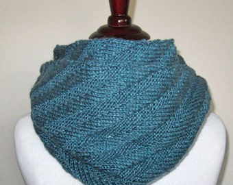 Diagonal Infinity Scarf Knitting Pattern PDF