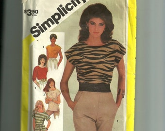 Simplicity Misses' Pullover Top Pattern 6365